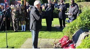 RAF veteran George Keeling lay a wreath