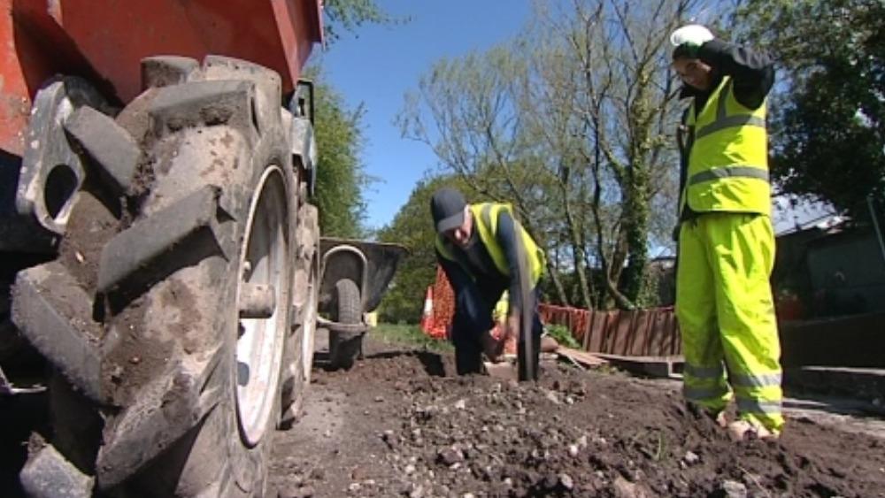 canal restoration at cwmbran wales itv news. Black Bedroom Furniture Sets. Home Design Ideas