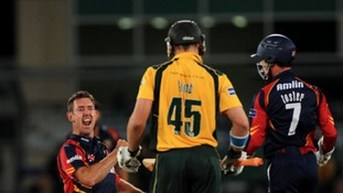 David Masters has agreed a new deal to stay at Essex.