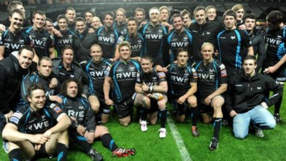 The Ospreys team
