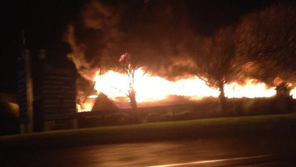 Blooms Garden Centre: Blooms Garden Centre Fire In St Mellons Area Of Cardiff