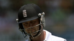 Jonathan Trott is returning home from the Ashes tour.