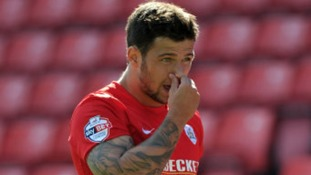 Dale Jennings has joined MK Dons from Barnsley.