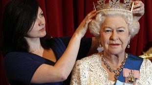 New waxwork of the Queen unveiled