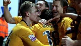 Cambridge advance in FA Cup