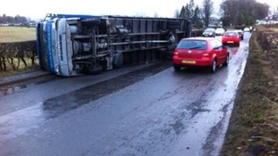 A lorry has overturned on the A76 northbound near Thornhill