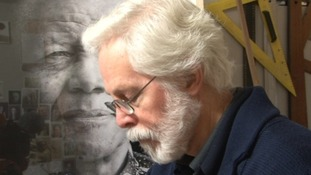Wiltshire artist reminises about meeting Mandela