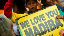Thousand of mourners attend Mandela memorial