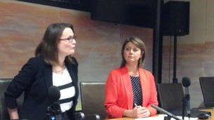 Kirsty Williams and Leanne Wood announcing their budget deal