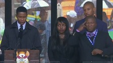 Interpreter 'made up his own signs' at Mandela service