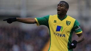 Sebastien Bassong has signed a new contract with the Canaries.