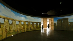 Young visitors experience the virtual tour of the stones.