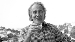 The Great Train Robber Ronnie Biggs dies aged 84