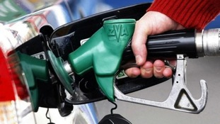 Fuel protesters call for cut in fuel duty