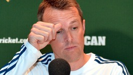 Retiring Graeme Swann departs with team-mate 'swipe'
