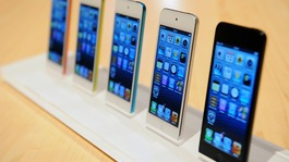 Apple signs iPhone deal with China Mobile