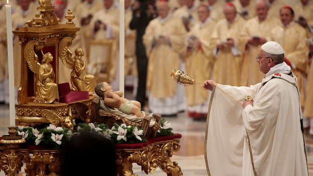 Pope Francis leads Christmas Eve mass at the Vatican - ITV News