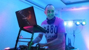 British radio DJ Paul Norris has been killed in a motorcycle accident in Thailand.