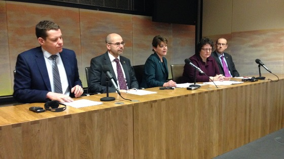 Plaid Cymru leader Leanne Wood unveils new 'cabinet-in-waiting'