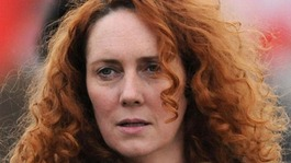 Police officer defends raid on Rebekah Brooks' home
