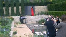 Laura Wright singing in Arthritis Research UK garden