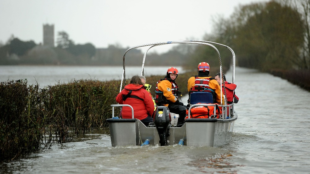 'Major incident' in Somerset with further flooding due