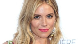 Sienna Miller: 'I love you' message to Craig misconstrued