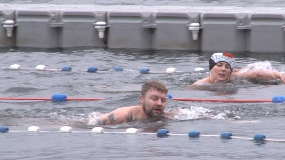 Big Chill Swim In Windermere Border Itv News