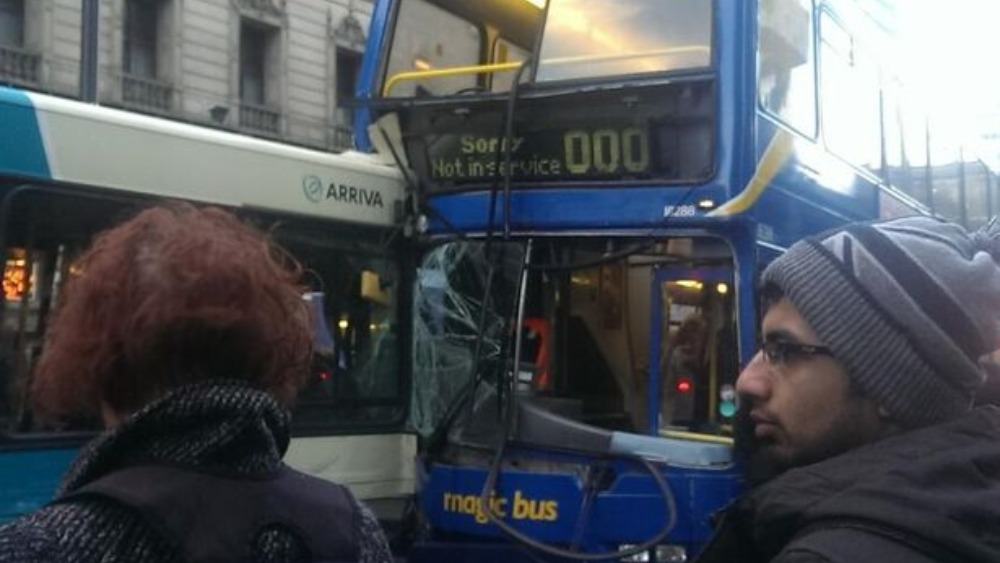 rush hour bus pile up in manchester city centre granada itv news. Black Bedroom Furniture Sets. Home Design Ideas