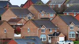 House sales hit 10-year high in England and Wales