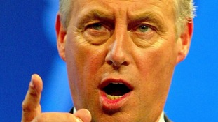 Tim Yeo, who was deselected by his constituency, has warned the Tories not to be swayed by 'obsessives' or UKIP