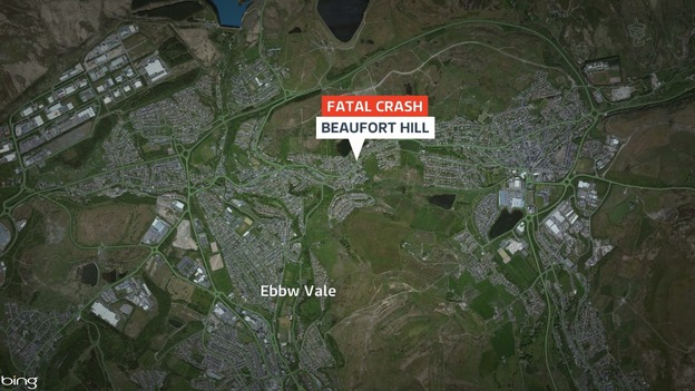Man dies in Ebbw Vale crash  Wales  ITV News