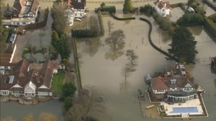 Flooded mansions near Cookham in Berkshire
