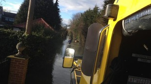 An amphibious vehicle operated by Windsor Duck Tours comes to the resue