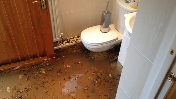 Marlow Begins To Feel Brunt Of Flooding London Itv News