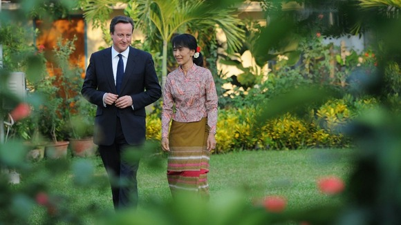 David Cameron meets pro democracy leader Aung San Suu Kyi