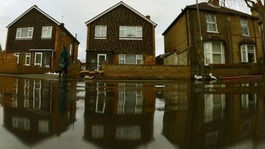 Insurers helped people hit by floods 'speedily'