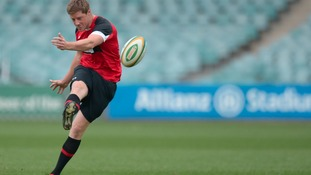 Rhys Priestland signs new Scarlets deal