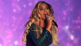 Beyonce wowed the crowd as she took to the stage at the O2 Arena.