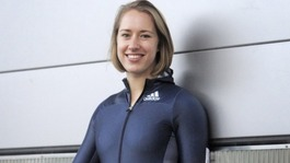 Lizzy Yarnold's mum backs calls to paint postbox gold