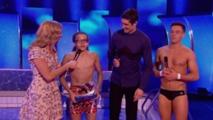 Splash! 2014 champion Perri Kiely picks up his award.