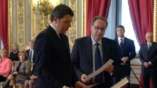 Matteo Renzi taking the oath of office.