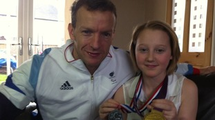 Bone cancer girl gets surprise treat from Paralympic hero