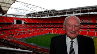 Football legend Sir Tom Finney set to receive fitting send-off