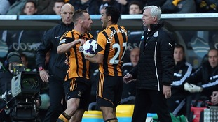 Newcastle United's manager Alan Pardew confronts Hull City's David Meyler.