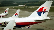 Malaysia Airlines loses contact with aircraft