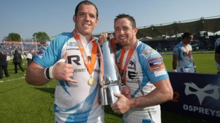 Paul James (l) and Shane Williams