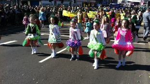 Young Irish dancers join in the Parade