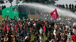 Formal request from Mayor to arm Met with water cannon