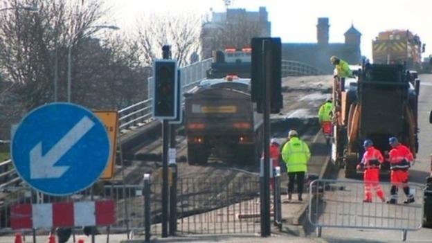 Traffic Light Demolition : Major demolition works on leicester s belgrave flyover